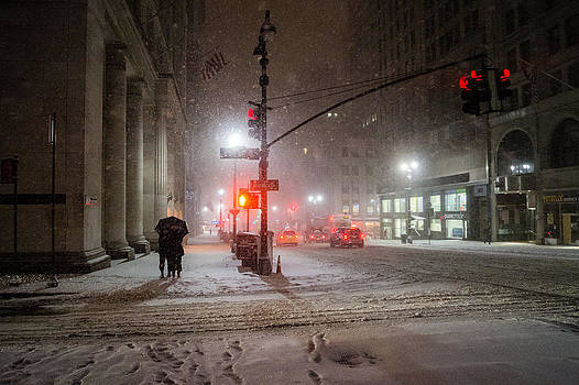 New York City Winter - Romance in the Snow by Vivienne Gucwa