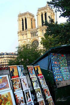 Diana Haronis - Newsstand Near Notre Dame