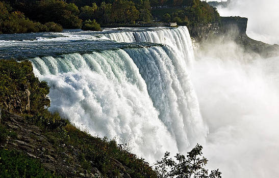Niagara Falls by Patrick Derickson