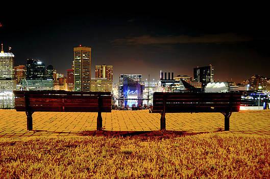 Night in the City by La Dolce Vita