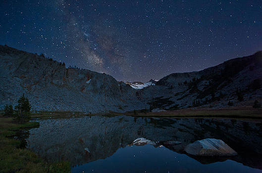 Night Sky Over Mount Lyell by Tuan Le