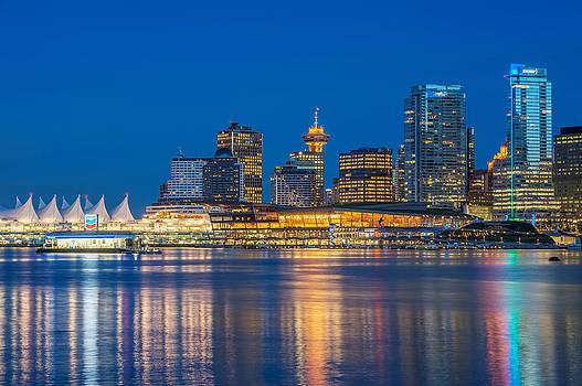 Night Vancouver by Volodymyr Kyrylyuk