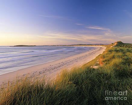 North Uist beach by Derek Croucher
