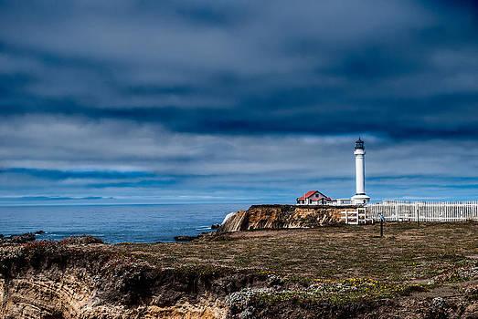 NW Lighthouse by Stephanie Haertling