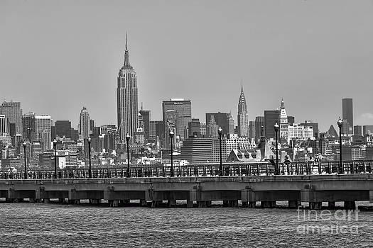 Chuck Kuhn - NYC skyline bw