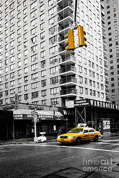 Hannes Cmarits - NYC  Yellow Cab at the crossroad