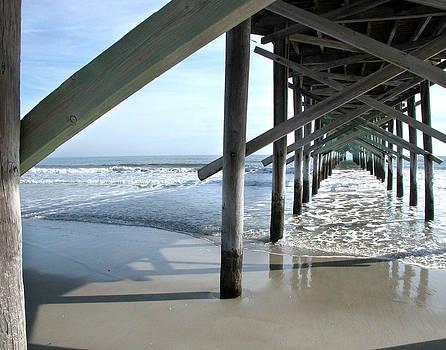 Ocean Isle Pier by Joseph Tese