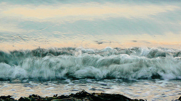 Tia Marie McDermid - Ocean waves I