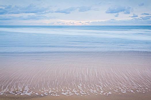 Ocean's Retreat by Tuan Le