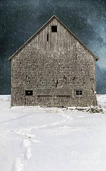 Edward Fielding - Old barn in a snow storm