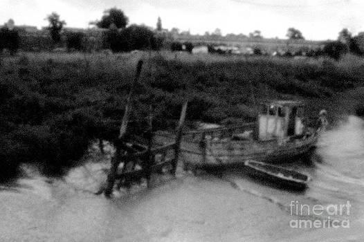 Old Boat by Jochen Schoenfeld