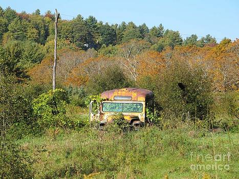 Old Bus by Linda Marcille