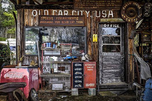 Richard Hinton - Old Car City