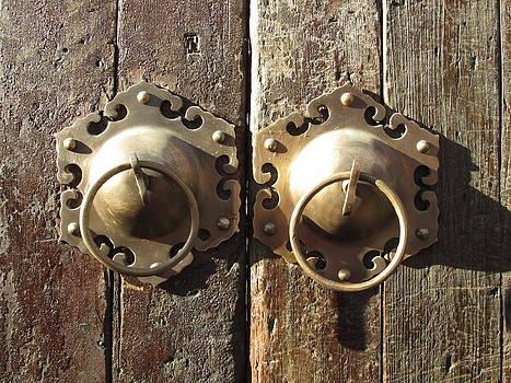 Alfred Ng - old Chinese door