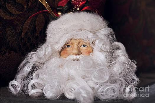 Old Fashion Santa by Joan Bertucci