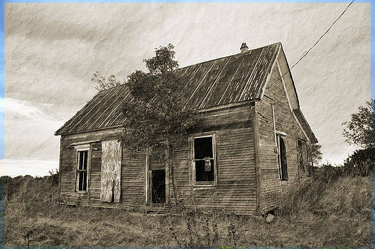 Old House in Murray County by Vonda Barnett