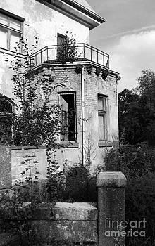 Old manor by Arvydas Kantautas