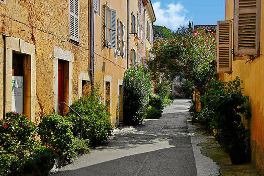 Christine Till - Old town of Valbonne France