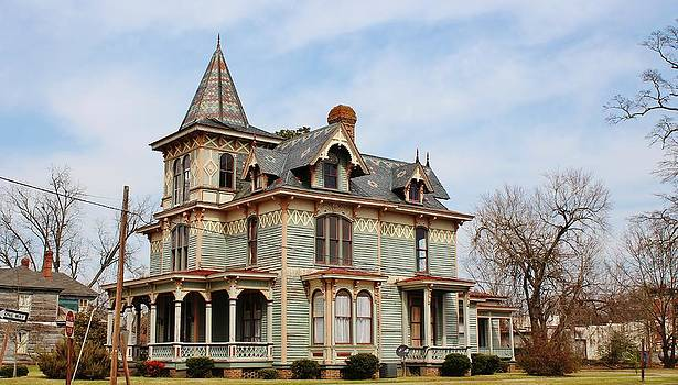 Paulette Thomas - Old Victorian House