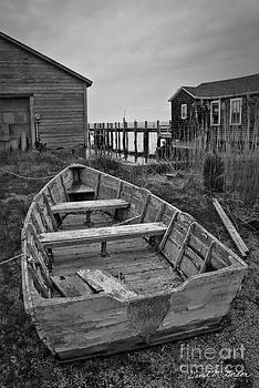 David Gordon - Old Wooden Boat BW