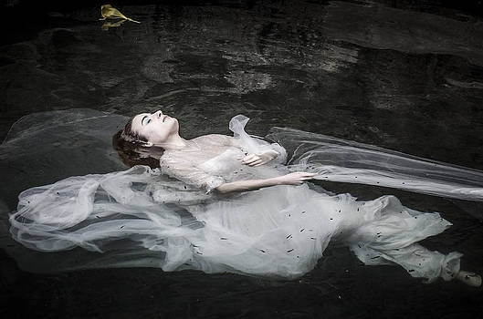 Ophelia by Giovanni Chianese