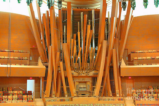 Chuck Kuhn - Organ music hall