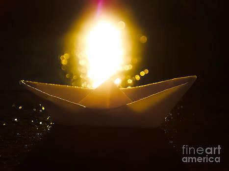Origami Boat by Hardi Saputra