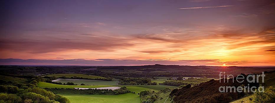 Simon Bratt Photography LRPS - Panoramic sunset over England