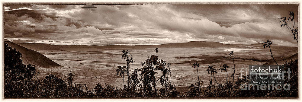 Darcy Michaelchuk - Panoramic View of Ngorongoro Crater Border