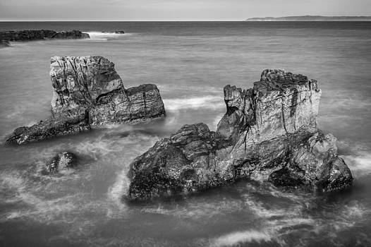Pan's Rocks at Ballycastle BW by M I