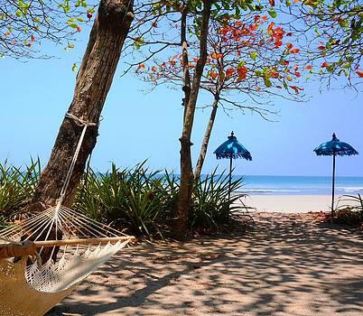 Paradise Beach by Julia Ivanovna Willhite