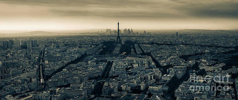 Paris by Alejandro Tejada