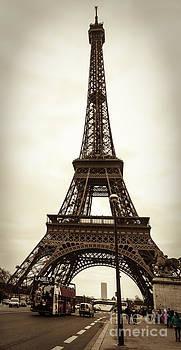 Parisian Street Scene by Radu Razvan
