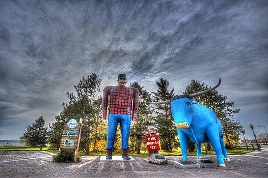 Paul Bunyan and Babe the Blue Ox in Bemidji by Shawn Everhart