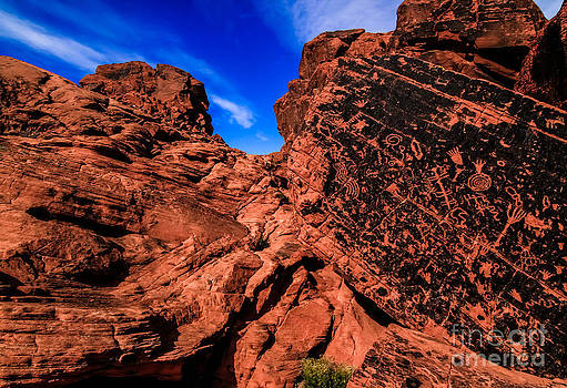 Petroglyphs of Valley of Fire Canyon by Brenda Giasson