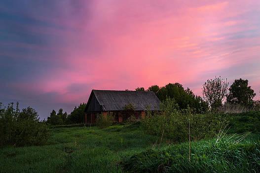 Jenny Rainbow - Pink Sunrise. Old Barn