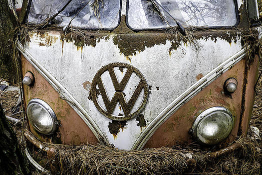 Richard Hinton - Pink VW Bus Closeup