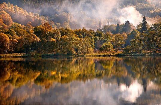 Jenny Rainbow - Playing Mirror. Loch Achray. Scotland