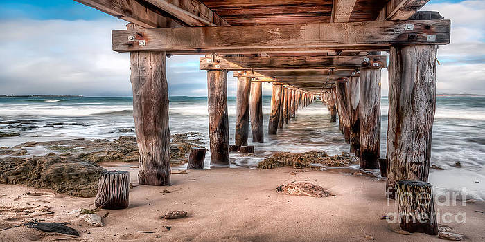 Point Lonsdale Jetty by Shannon Rogers