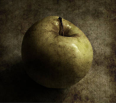 Pomme by Cynthia Lassiter