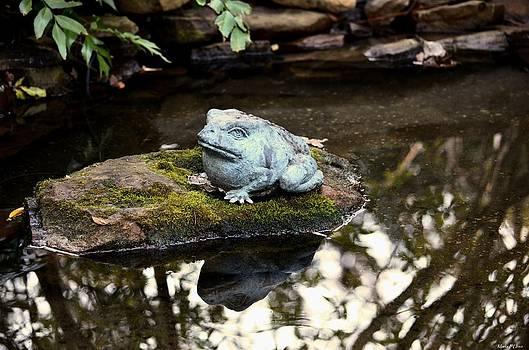 Maria Urso  - Pond Frog Statuette