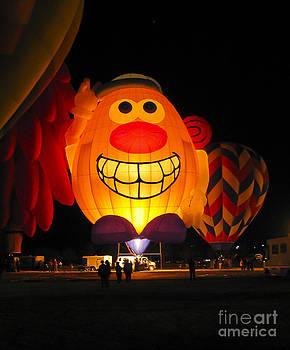 Steven Ralser - Potato Head Balloon glow