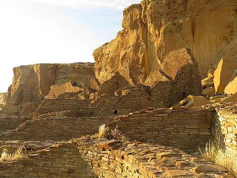 Feva  Fotos - Pueblo Bonito and cliff