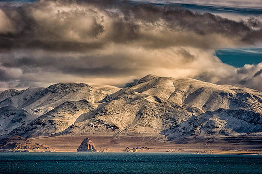 Pyramid Lake in the Morning by Janis Knight