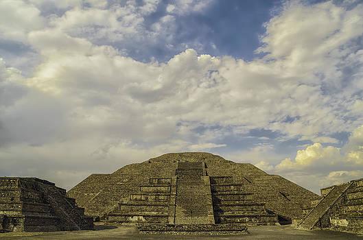 Pyramid of the Moon by Alejandro Tejada
