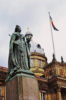 Queen Victoria Statue  by Nadeesha Jayamanne