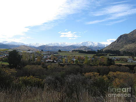 Queenstown landscape  by  Lines