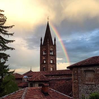 Rainbow by Niki Mastromonaco