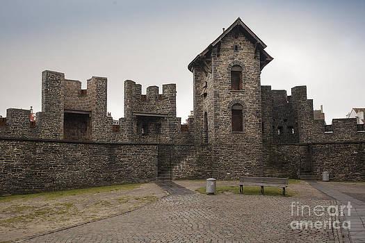 Patricia Hofmeester - Ramparts of medieval castle