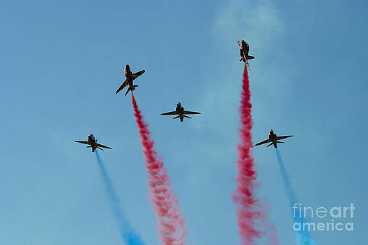 Red Arrows 7 by Alan Oliver